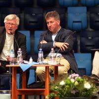 Magyar miniszter és német püspök a menekültekről: kibékíthetetlen ellentét, érthetetlen szeretet