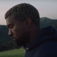 Ingyen Bibliát kapnak Kanye West rajongói