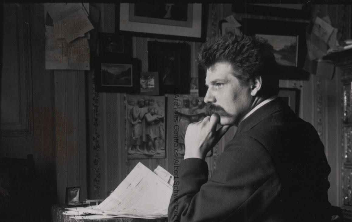 3-0albert-schweitzer-dans-sa-chambre-saint-thomas-1908.jpg