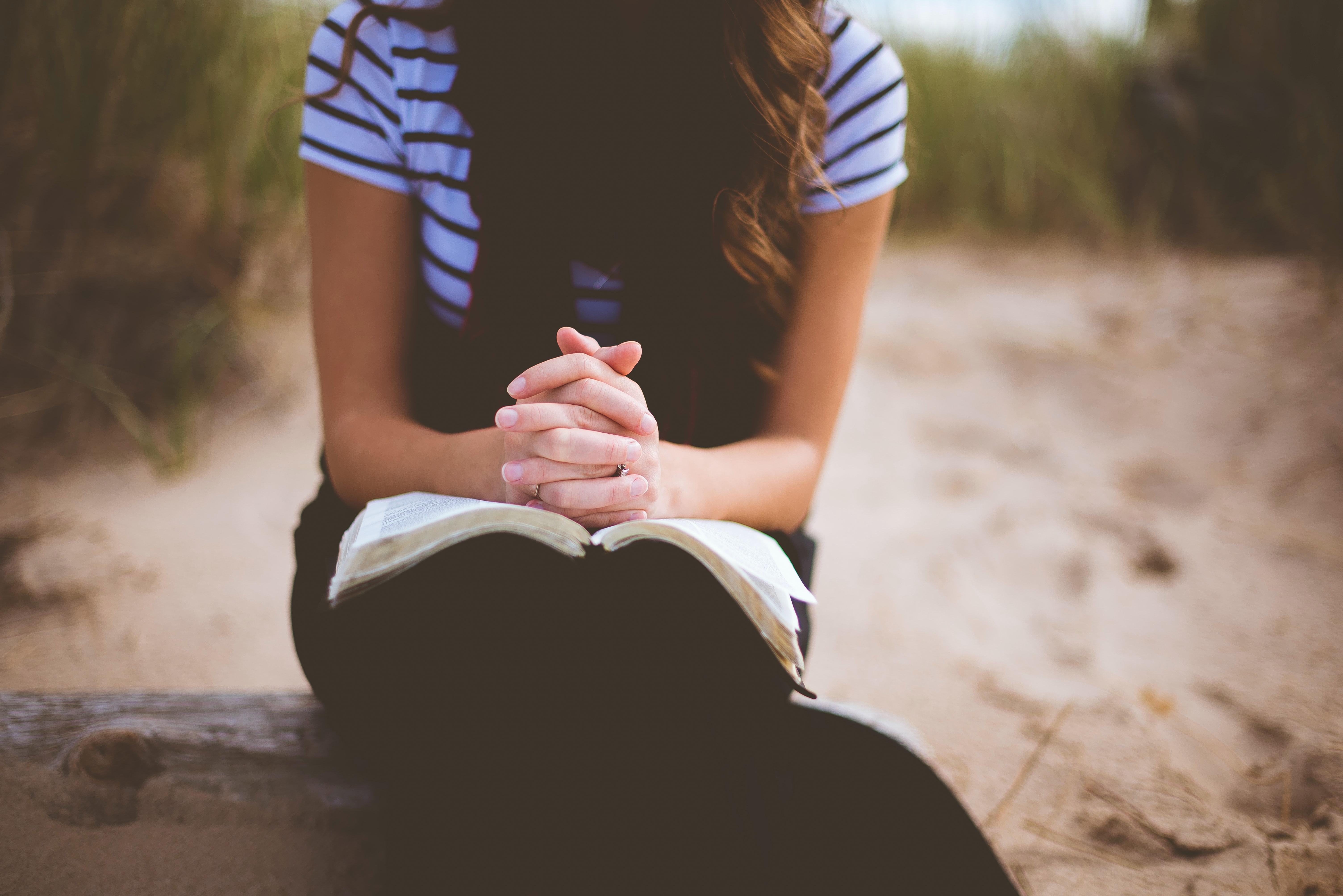 Ha szeret, miért büntet minket Isten ezzel?