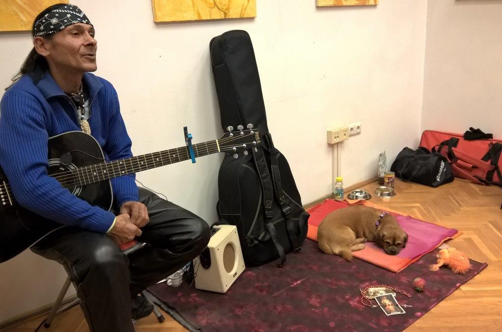 indian_gitarozik2.jpg