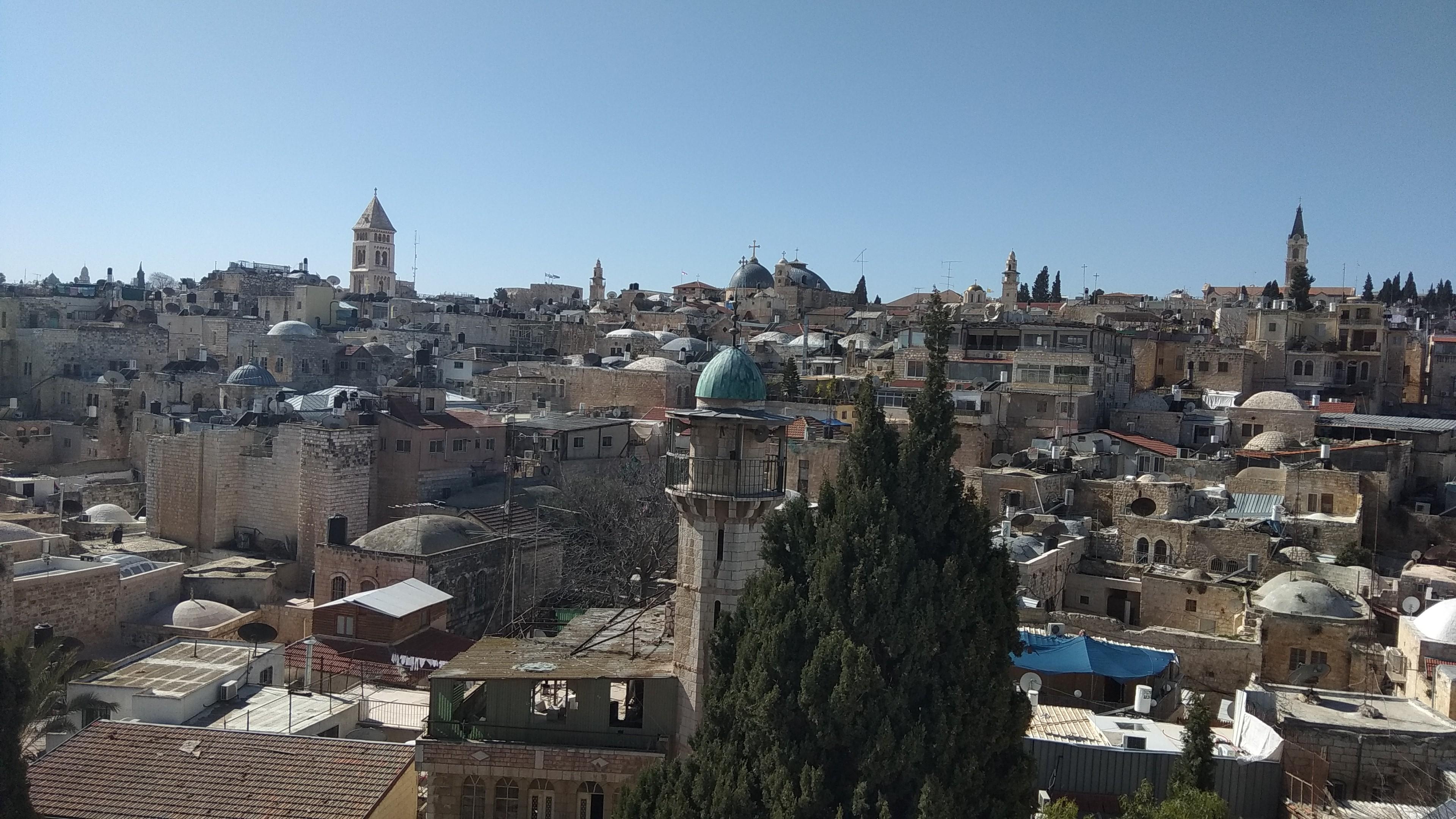 jeruzsalemi_latkep_az_evangelikus_templommal_bal_oldalt_vastag_tornyu.jpg