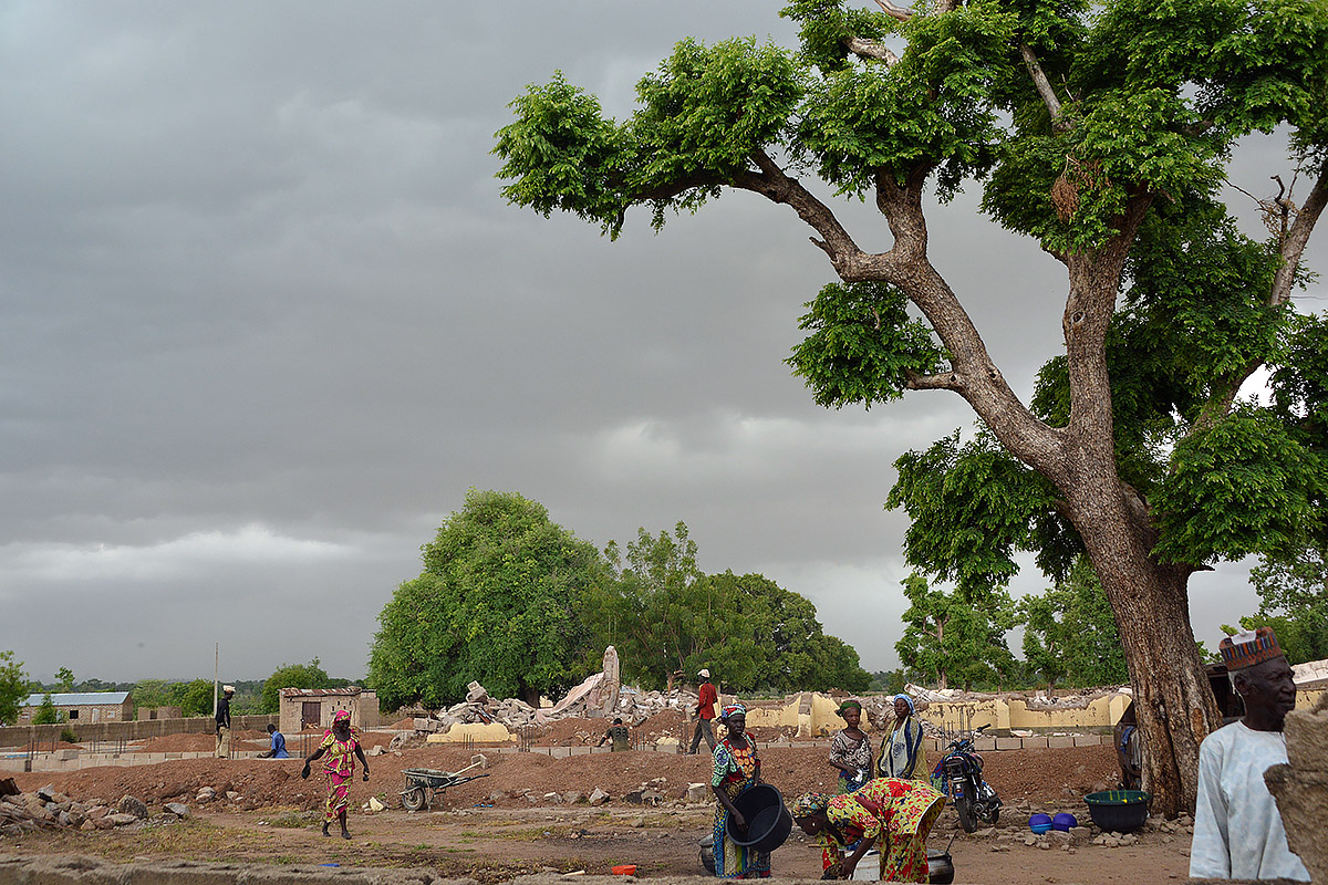 nigeria-hungary-visit-church-rebuilt.jpg
