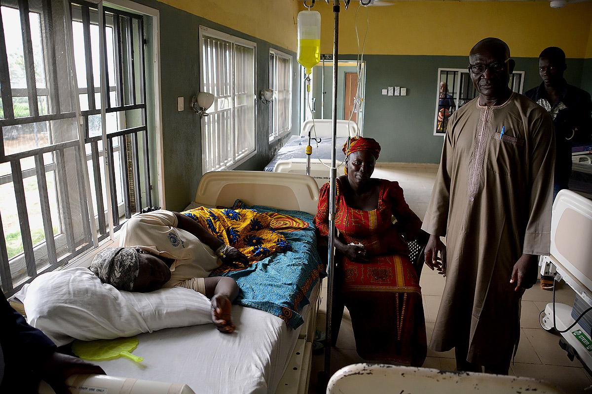 nigeria-hungary-visit-hospital.jpg