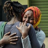 Vérfürdő és gyújtogatás Burkina Fasoban. Mise közben mészároltak le hat embert az iszlamista terroristák, és felgyújtották a templomot.