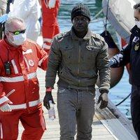 Vízbe lökték a keresztényeket a muszlimok egy menekülthajóról