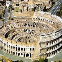 Üldözött keresztények miatt kapcsolták le a Colosseum fényeit