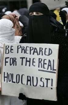 Muszlim nő pedig már egy újabb holokausztot vár.
