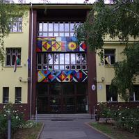 Rendőrségi feljelentést tettek a szülők a budafoki gimnázium igazgatónője ellen