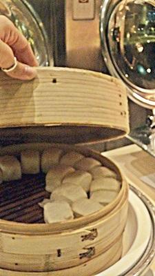 Párolt kenyér zsemle / Mantou