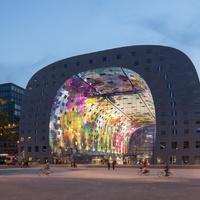 Gigantikus vásárcsarnok Rotterdamban