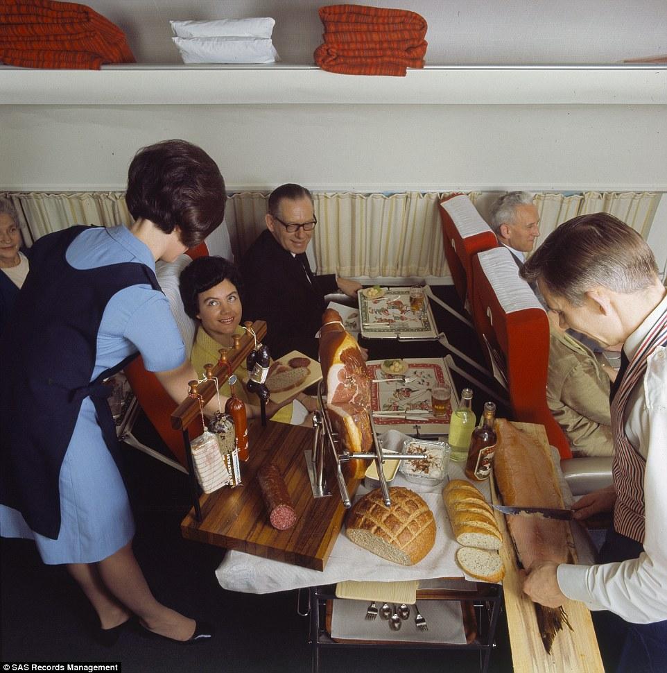 Lazac-szeletelés on board 1969-ben.
