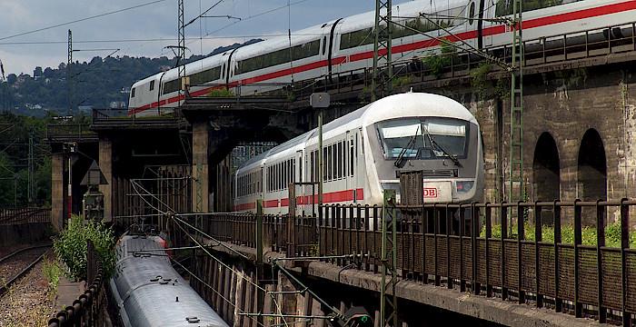 csm_bahnknotenstuttgart_tunnelgebirge_700x360_2779580e05.jpg
