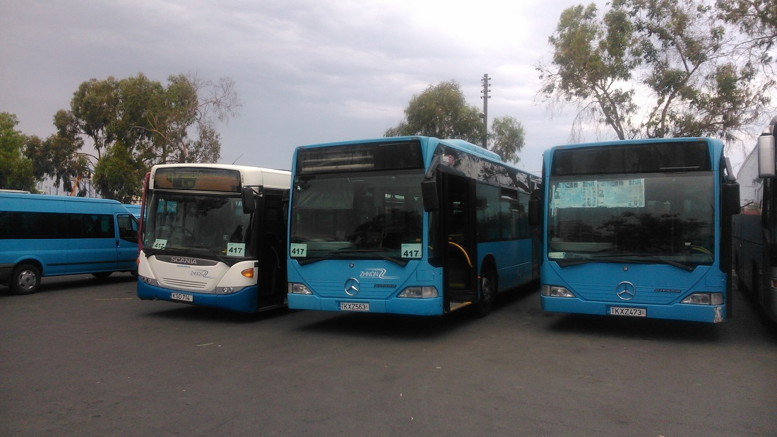 A Zinon pihenő buszai a larnakai buszpályaudvaron – a Citarok korábban Dublinban szolgáltak.