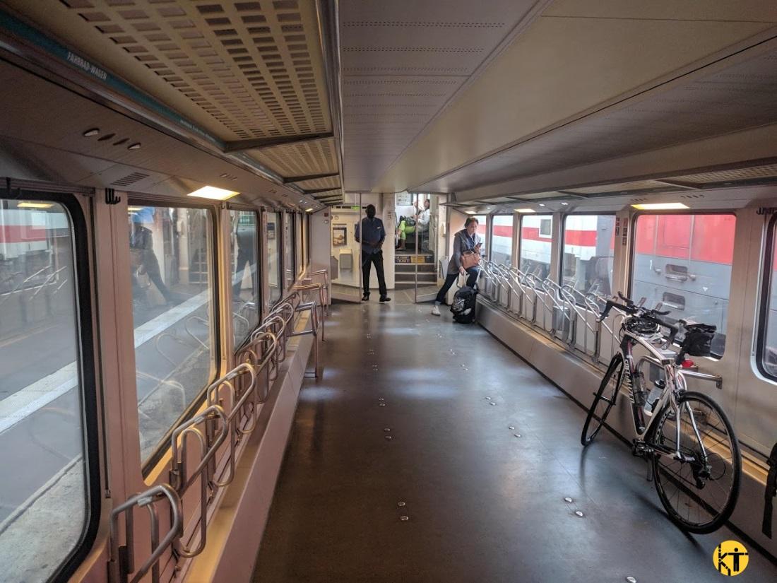 Nagykapacitású kerékpárszállító szakasz egy német motorvonaton