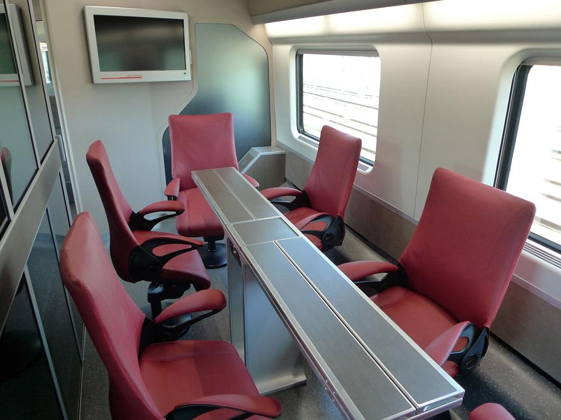 A Frecciarossákon még külön tárgyalószoba is foglalható (Kép. seat61.com)