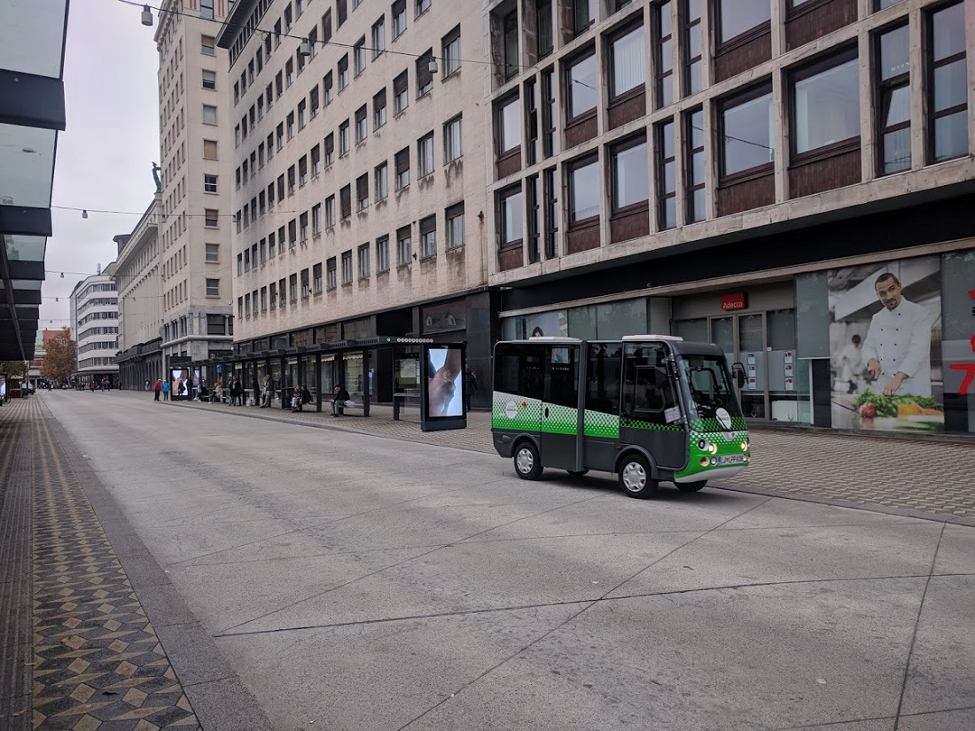 Ilyen kis elektromos járművek közlekednek csak a belső, forgalomcsillapított övezetben