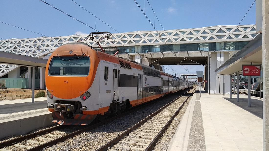 Az ONCF emeletes elővárosi motorvonatai 2007-ben érkeztek, és Olaszországból lehetnek ismerősek: ott járnak még ilyen Ansaldo-szerelvények