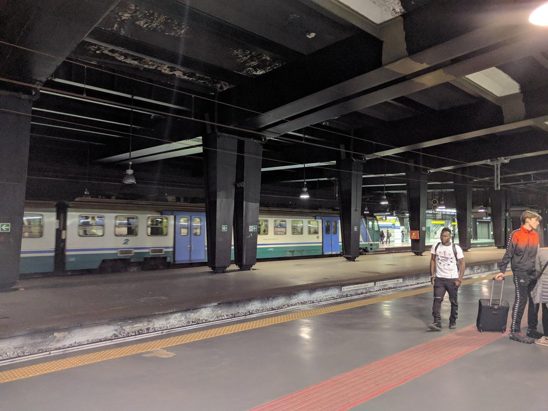 Az elővárosi vonatok egy része a város alatti alagúton halad át