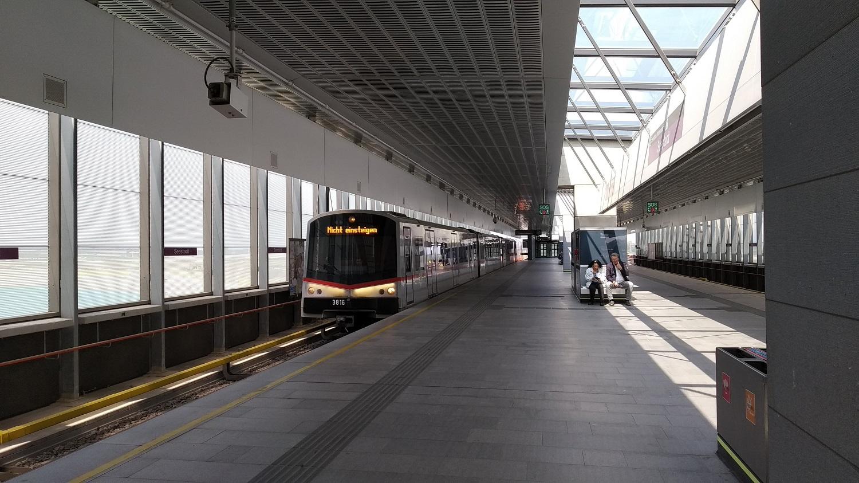 A negyedbe még építkezés kezdetén kivezették az U2-es metrót...