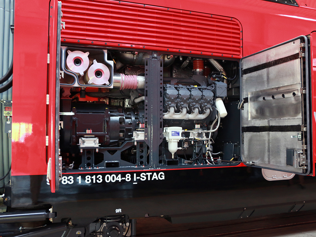 tn_it-stadler-flirt-electrodiesel-engine.jpg