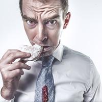 15 jel, amiért ki kellene rúgni passzív agresszív kollégánkat