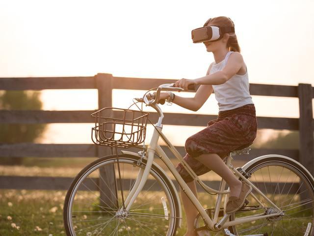 Három dolog, amit minden marketingesnek tudnia kell az AR-ral és VR-ral kapcsolatban