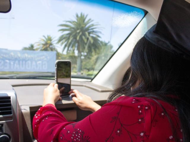Közösségi média az utakon – Megéri kockáztatni egy balesetet?