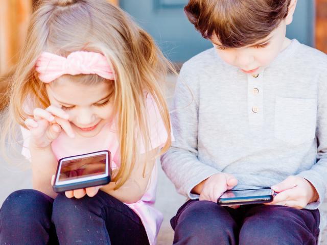 Gyerekek a YouTube-on - Megengedjük vagy ne?