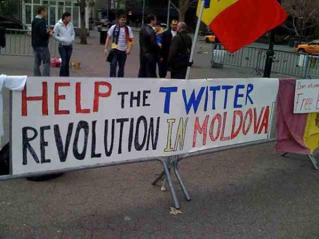 Internetadó margójára 1.: Twitter forradalom Törökországban és Iránban