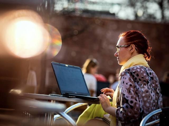 Csak semmi pánik: így dolgozz online otthonról!