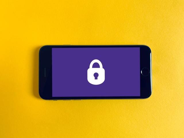 Ne engedd, hogy ellopják oldaladat és bejussanak netbankodba! – Így védd meg magad a Sim Swaptól!