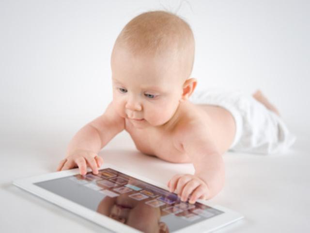 Miért NE adj a kisgyermekednek laptopot vagy mobiltelefont?