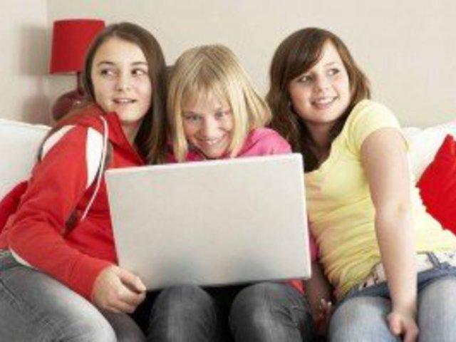 Gyerekek és az Internet - amikor a szülő a hunyó?