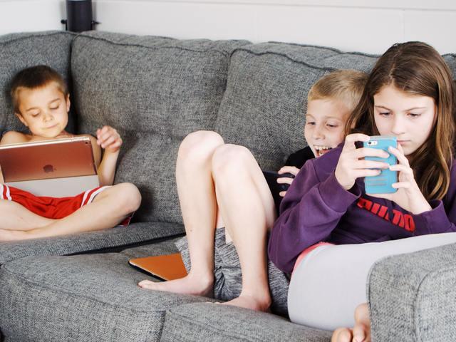 Halálos kihívás a TikTok-on – amiről minden szülőnek tudnia KELL!