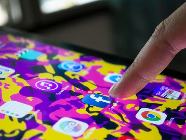 Visszahívható üzenetek, randiapp, hirdetési sablonok? Itt vannak a 2019-es Facebook trendek!