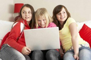 Facebook-Kids-using-laptop
