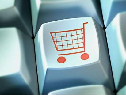 Egyre többen viszont online felületeken oldják meg a karácsonyi  ajándékhajhászást. De vajon milyen veszélyeket rejt az ilyesfajta vásárlás  2aaba90bdb