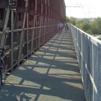 Szó szerint vasúti híd Észak-Pesten