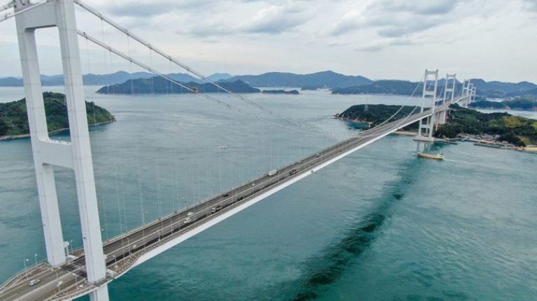 kurushima-kaikyo-bridge2.jpg