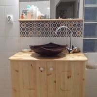 Fenyő fürdőszoba bútor