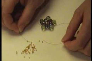 Gyűrű csiszolt gyöngyből
