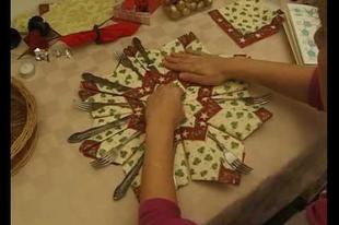 Ünnepi dekoráció készítése evőeszközökhöz