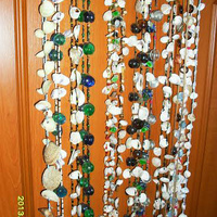 Térelválasztó kagylókból, gyöngyökből
