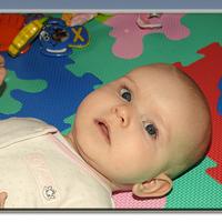 Léla négy hónapos