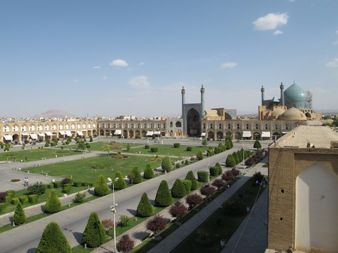 Imam_square_in_Isfahan