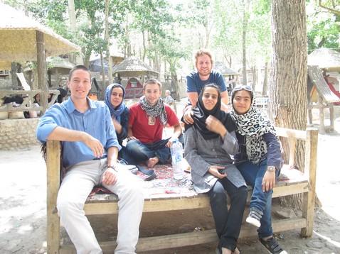 Pepéékkel és a ránkmászós csajokkal Kandovanban