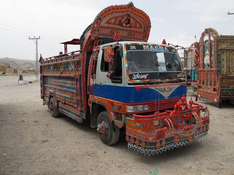 Tipikus pakisztáni teherautó