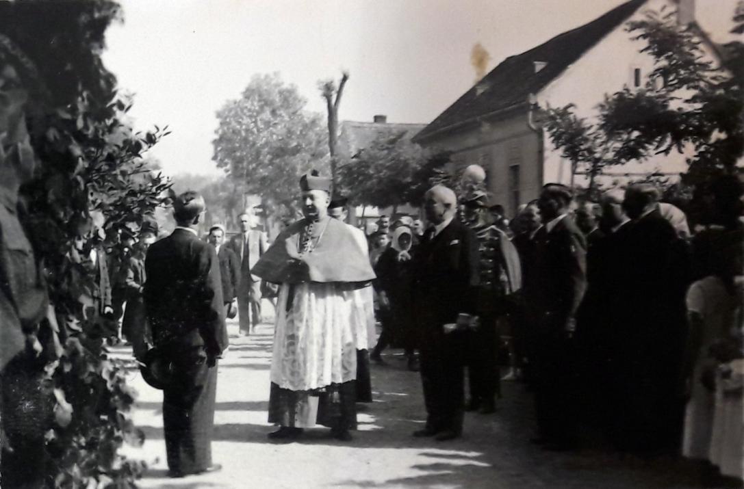 1942b_2.jpg