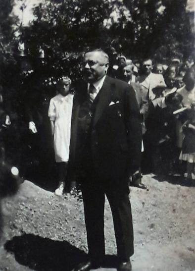 1942b_7.jpg